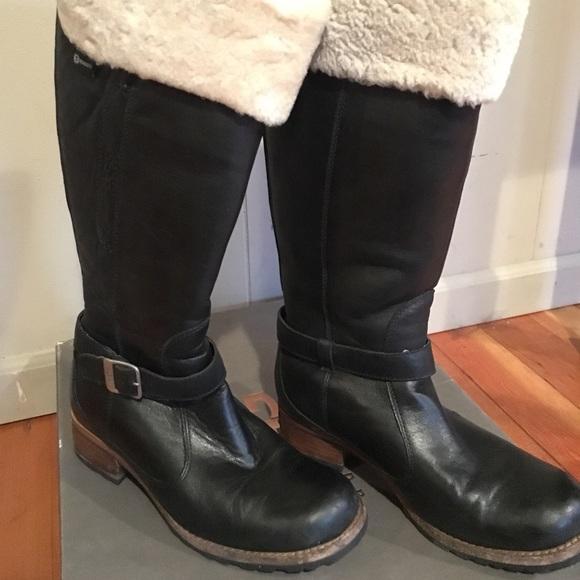 c2fb1ba4ea4 Leather UGG Langley Boots SIZE 9